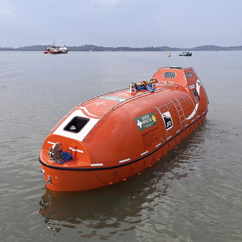 JFD | Self propelled hyperbaric lifeboats