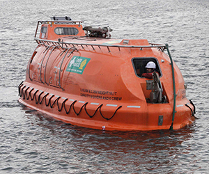 Hyperbaric Lifeboat in water PRODUCT IMAGE1.jpg